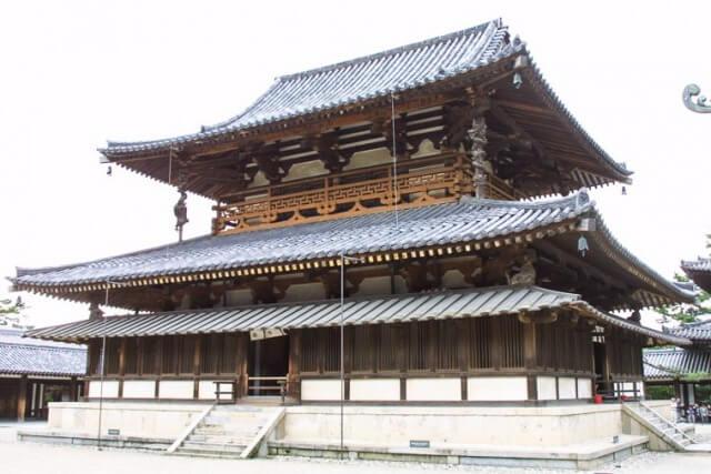 法隆寺の金堂を英語で説明