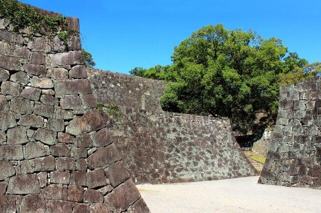 熊本城の石垣を英語で説明