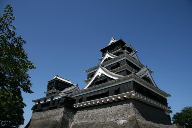 熊本城の天守閣を英語で説明