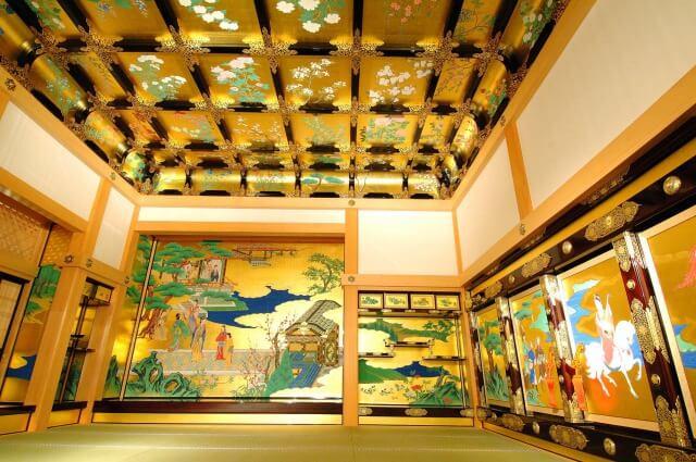 熊本城の本丸御殿を英語で説明