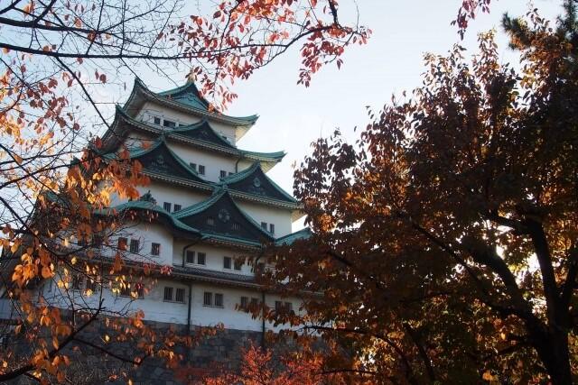 名古屋城を英語で説明