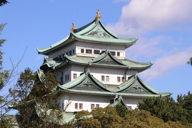 名古屋城の天守閣を英語で説明